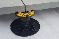 Balance Self levelling support pad for paving