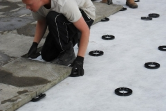 How to lay slabs onto 17mm paving spacers