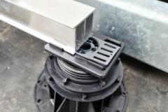 Mega-Balance-self-levelling-pedestal-with-rail