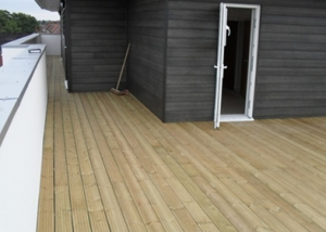 Oakwood Group, London - Timber decking supports