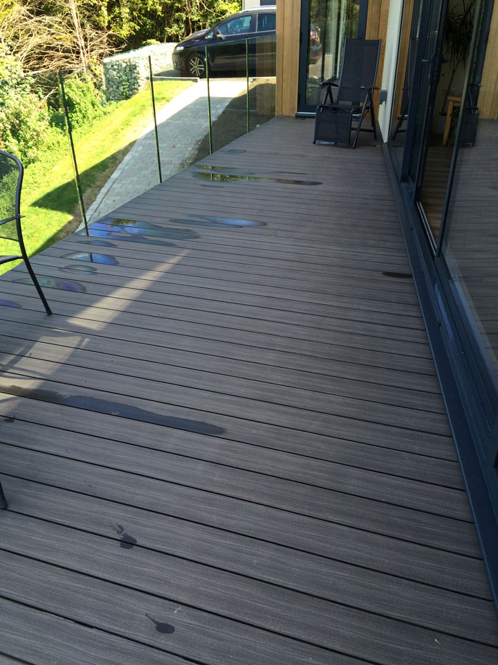 Picture of Floating balcony, Warlingham