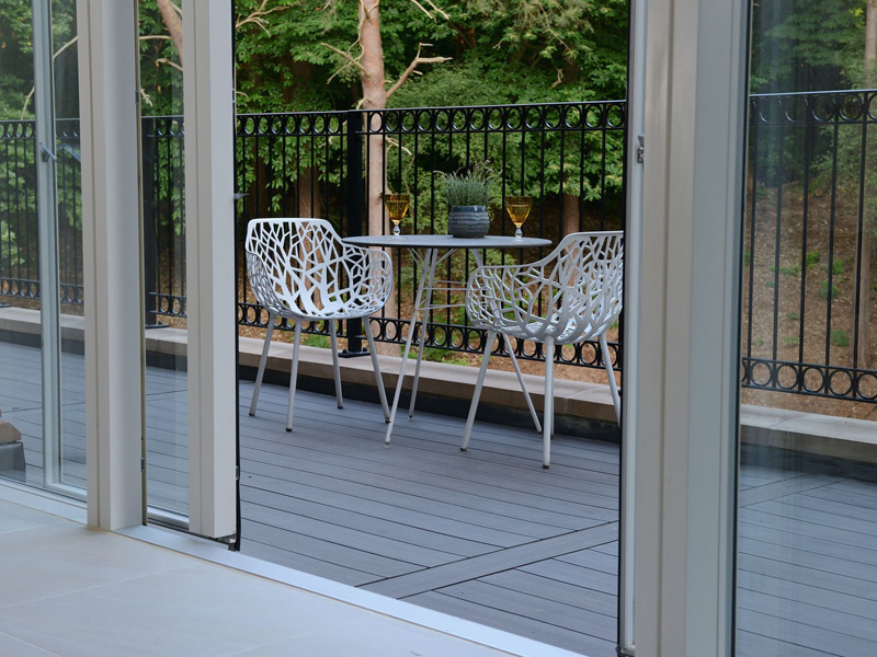 An image of a completed decking installation at Finchampstead, Berkshire (New)