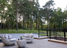An image of a completed decking project in Finchampstead