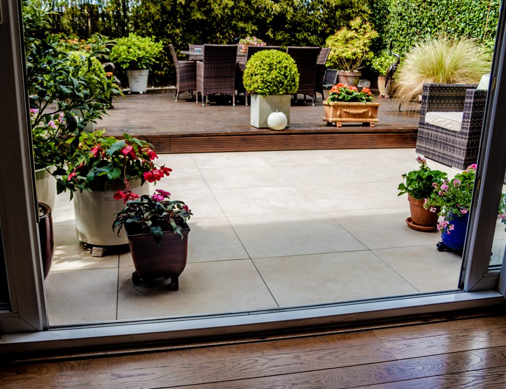 Paving terrace using Balance self-levelling pedestals