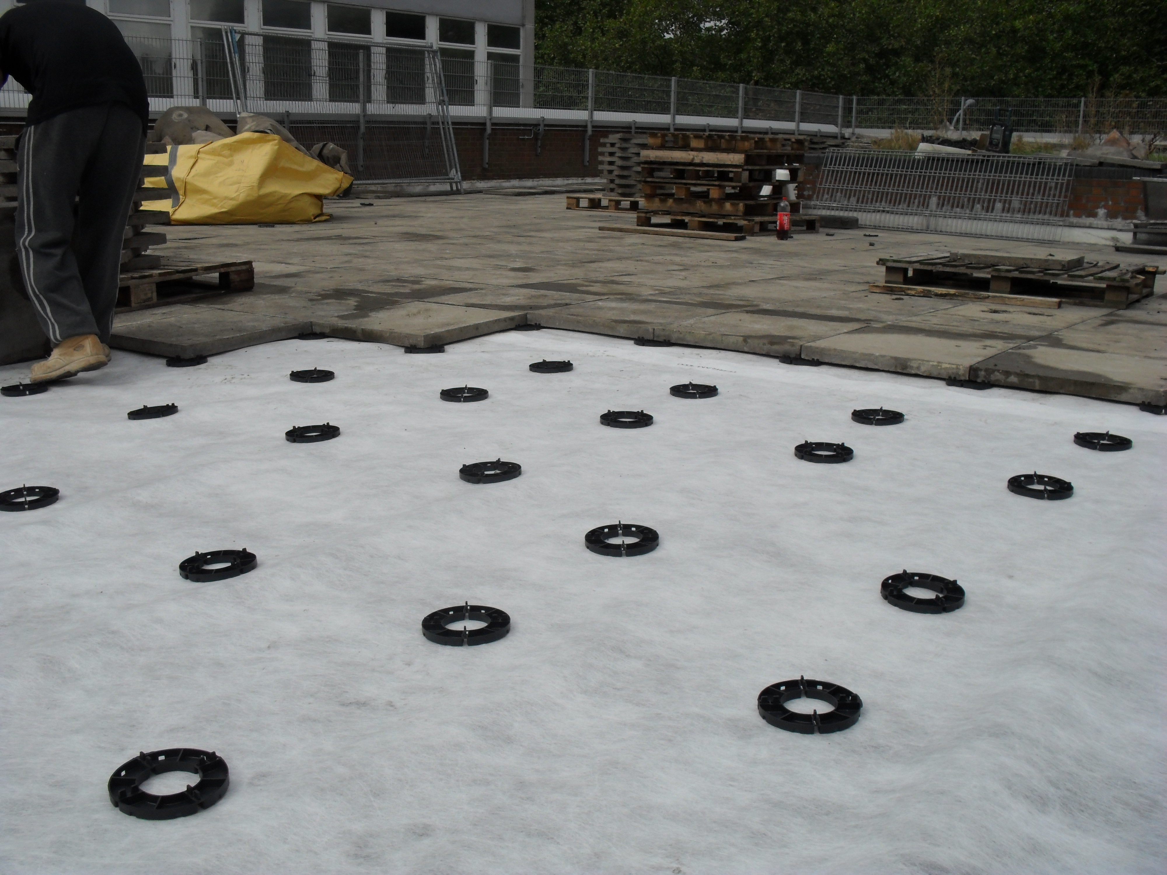 17mm plastic paving pads on podium deck