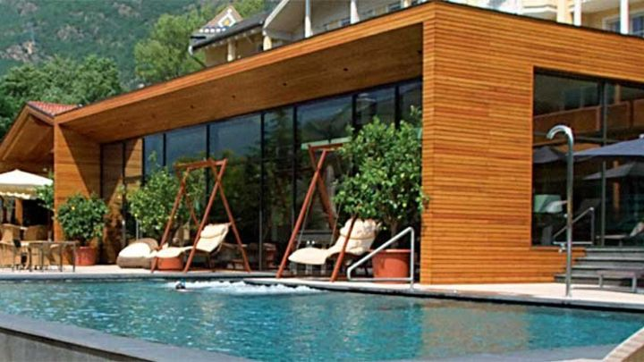 The Perfect Poolside Decking Solution – Introducing Slip-Resistant Decking Boards