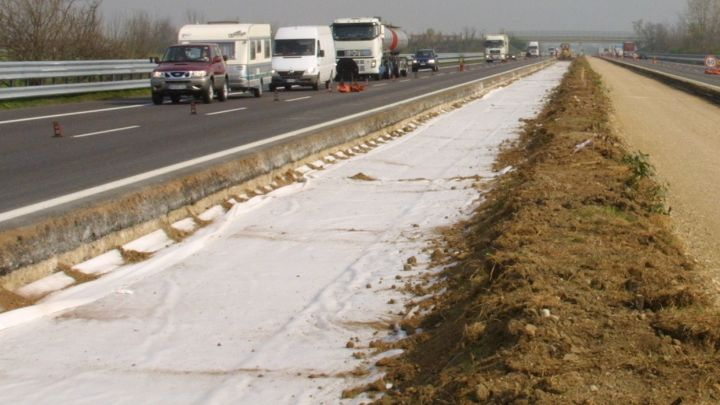 Build roads using geotextiles