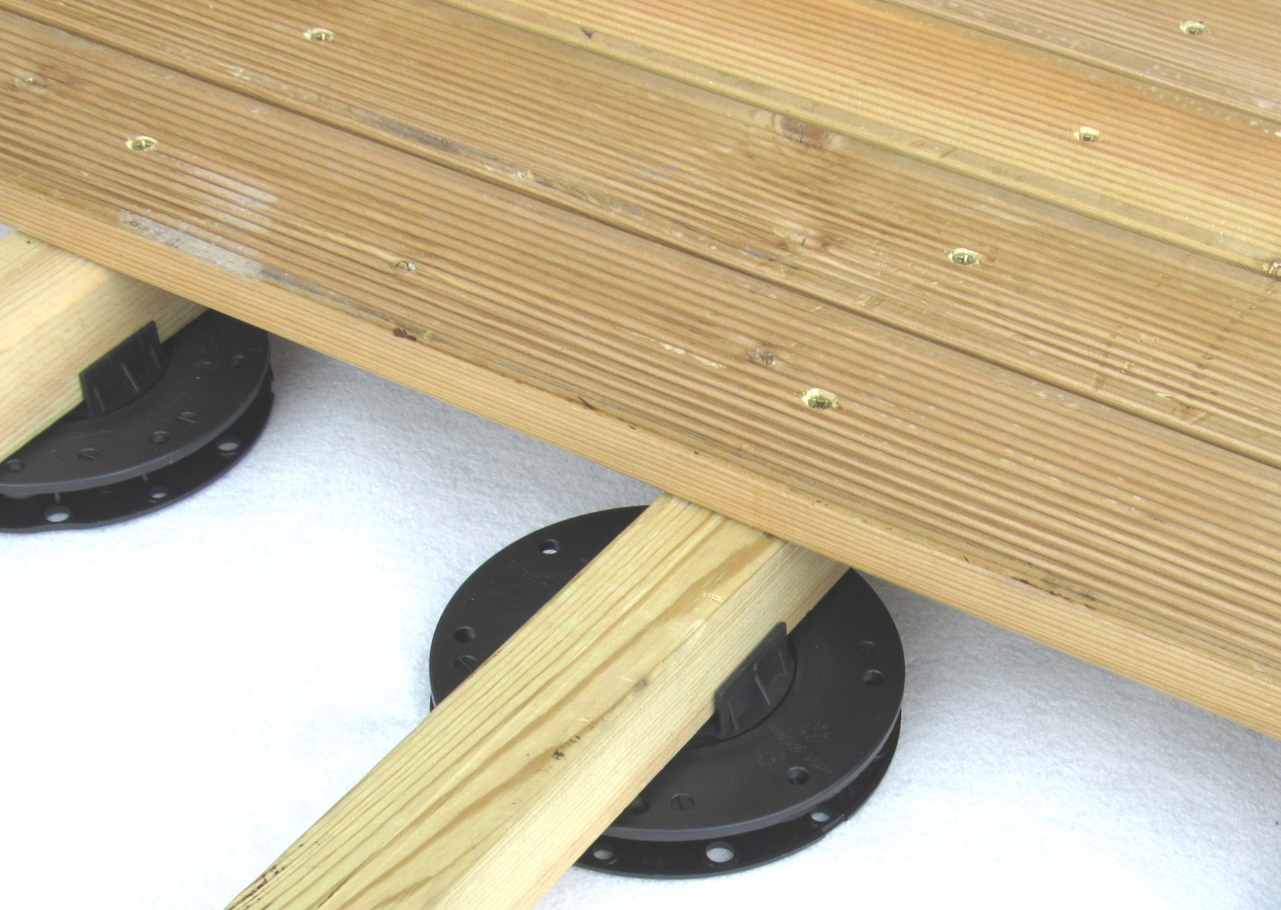 TD Mini Pad for decking with timber joist - close up