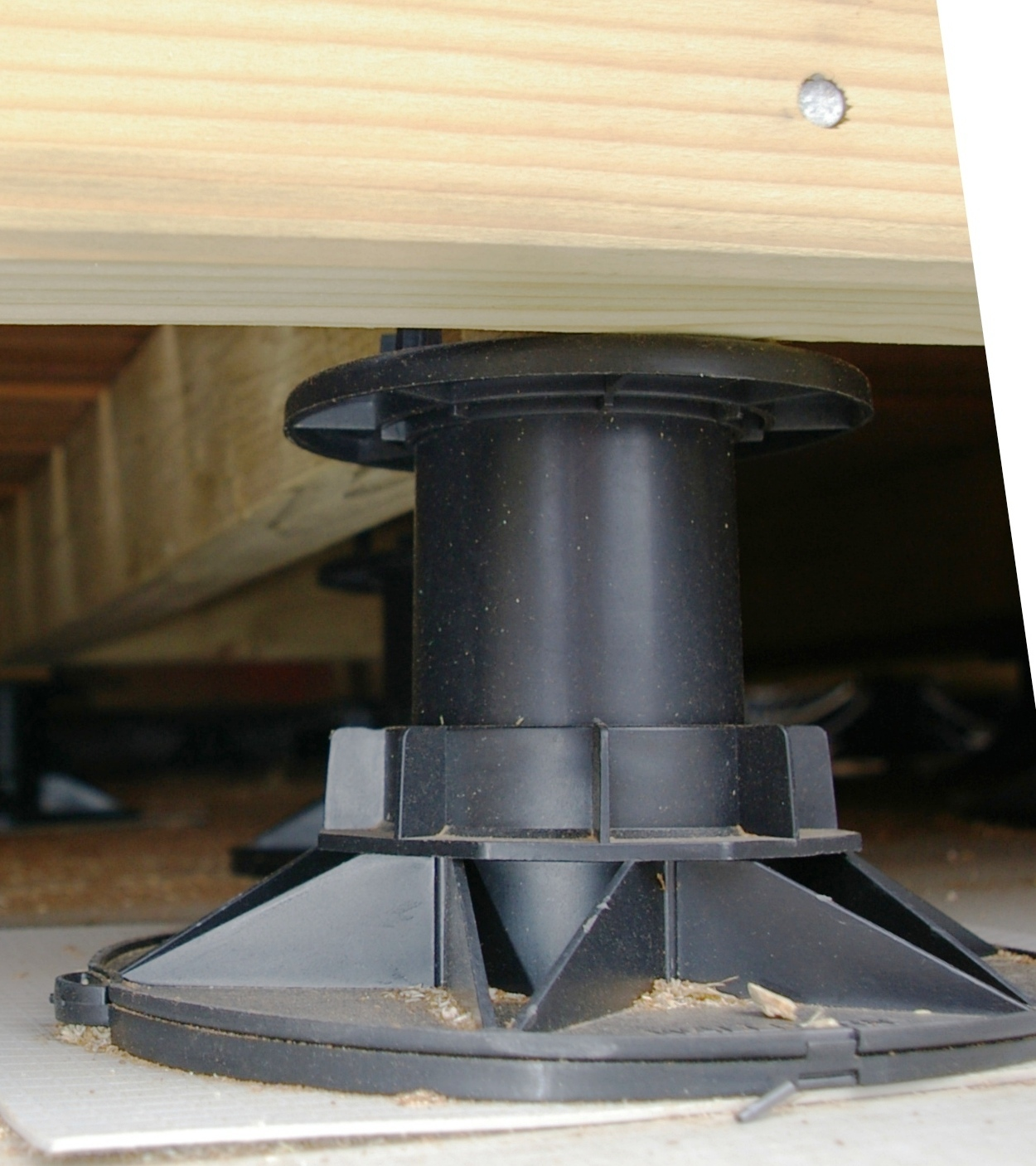 Universal adjustable decking support pad with joist