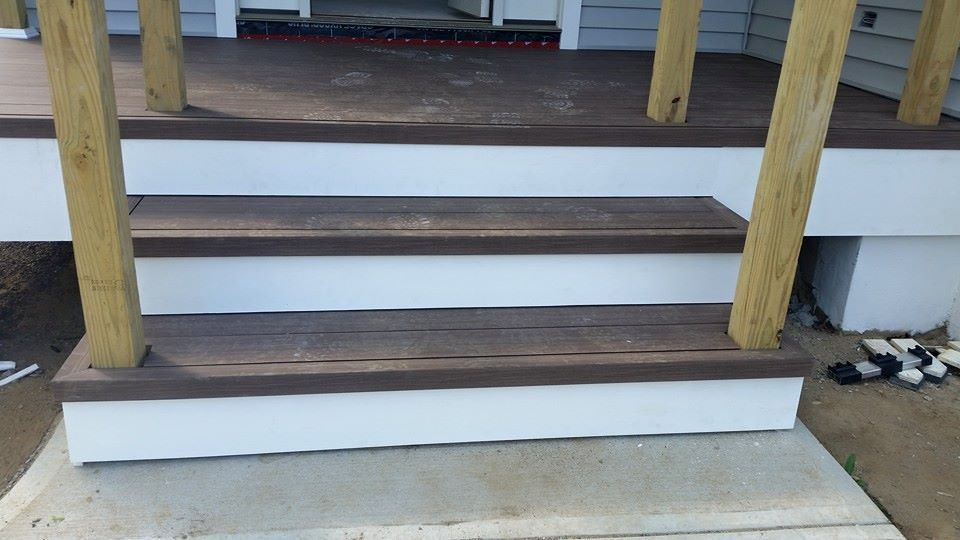 iDecking composite decking on steps 1