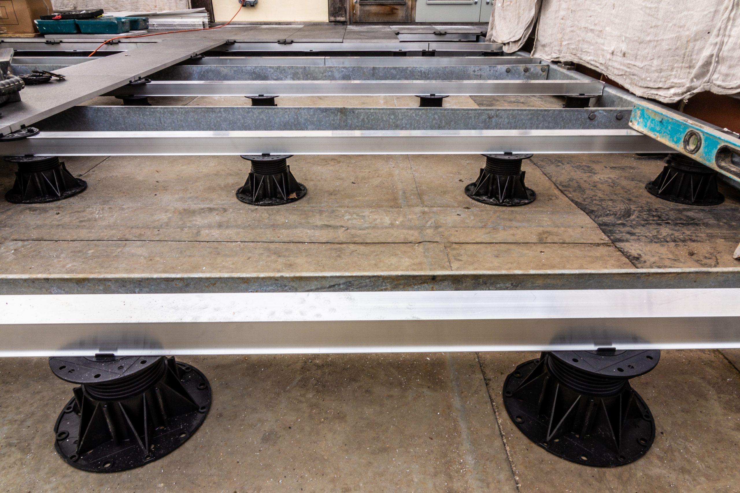 Mega Balance adjustable pedestal and rail system 2