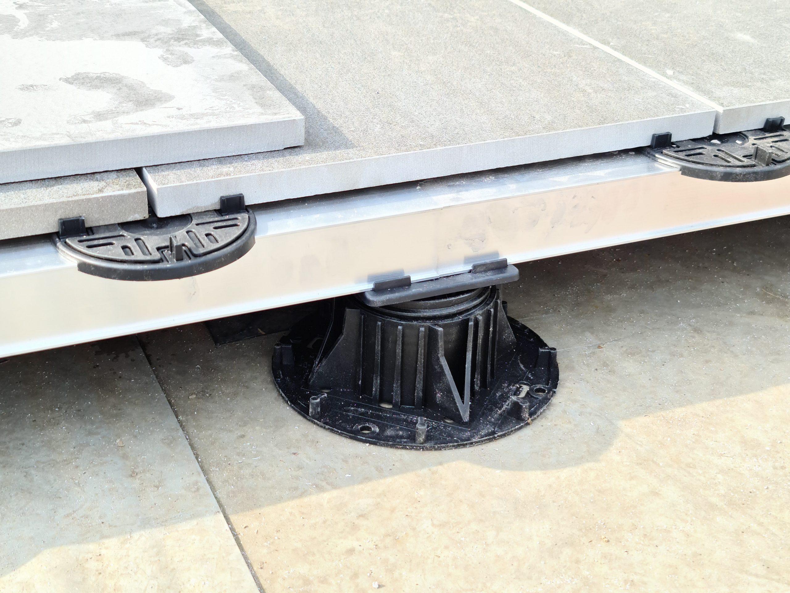 Mega Balance self levelling pedestal rail and porcelain tile system